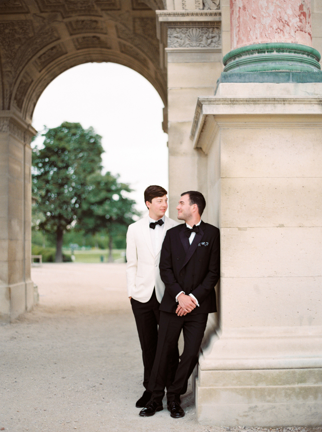 Louvre_paris_anniversary_session_same_sex_gay_wedding_engagement_wedding_photography_nastja_kovacec-4