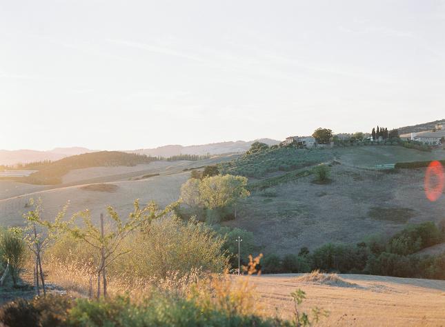 Villa_Podere_Scopicciolo_Tuscany_wedding_Italy_Film_wedding_photography_Nastja_Kovacec-109